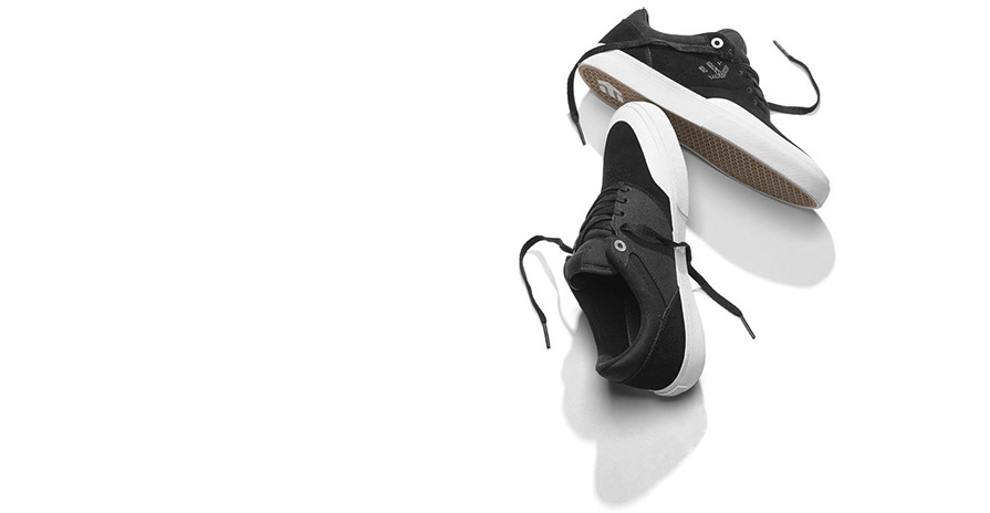 Etnies Marana Vulc Black White Silver Skate Shoes in listing close up of top and bottom