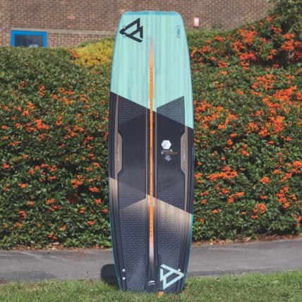 Brunotti Dimension 2018 Kitesurfing board front