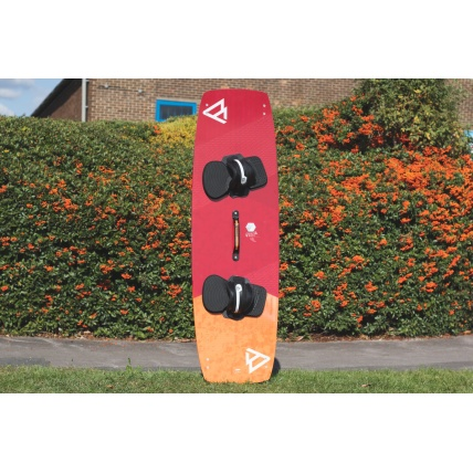 Brunotti Onyx Kitesurf Board top with Brunotti Accessories set