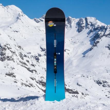 Burton Custom Flying V 2017 Snowboard at Spring Break Snowboard test top sheet graphic