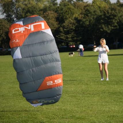 Peter Lynn Uniq Single Skin Trainer Kite in use