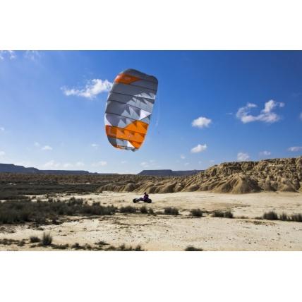 Peter Lynn Uniq Single Skin Trainer Kite in use buggying