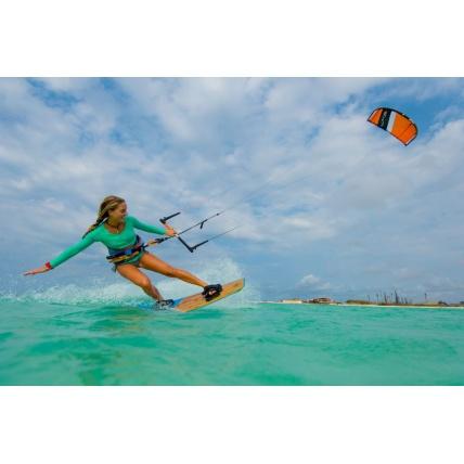Peter Lynn Escape Kitesurfing Kite girl
