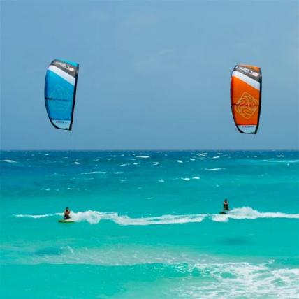 Peter Lynn Escape Kitesurfing Kites