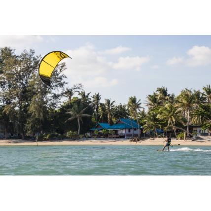 Ozone Catalyst V1 Kitesurfing Kite in Yellow in use