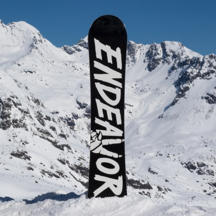 Endeavor New Standard Series Snowboard 2017 at Spring Break base graphic