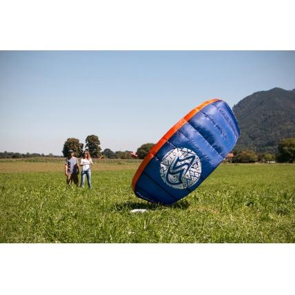Flysurfer Peak Trainer Kite Flying