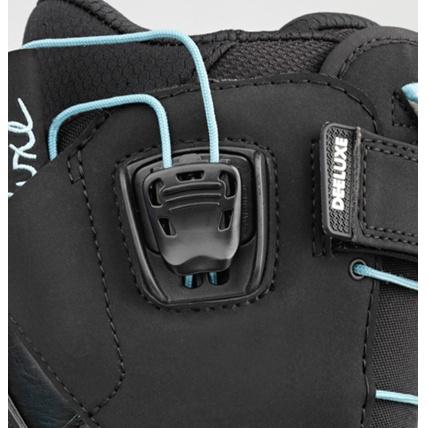 Deeluxe ID 6.2 Lara PF Womens Snowboard Boot in Black quick lace lock