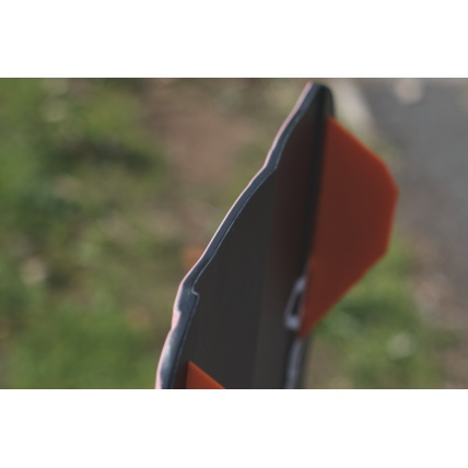 Brunotti Riptide 2018 Womens Kitesurf board slicer fins and channel close up