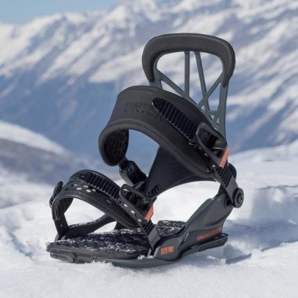 Union Flite Pro Snowboard Bindings in Dark Grey at Spring Break Snowwboard Test