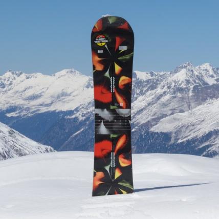 Burton Deja Vu Flying V Womens Snowboard at Spring Break Snowboard Test top sheet graphic