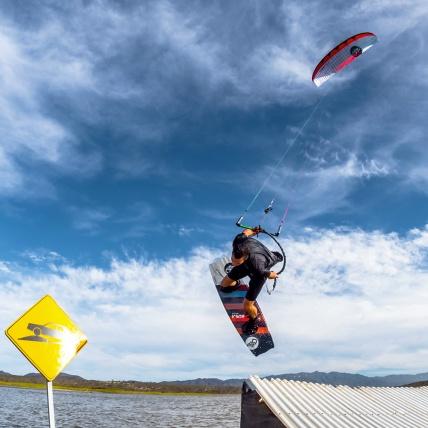 Flysurfer Soul Kitesurfing Foil Kite wakestyle