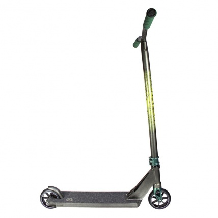 District HTS Complete Stunt Scooter in Pearl Black