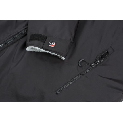 Dryrobe Advance Long Sleeve Changing Robe Black and Red