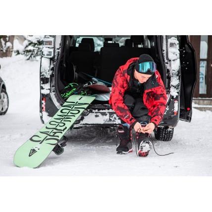 Salomon Assassin Snowboard Team Favourite Riding