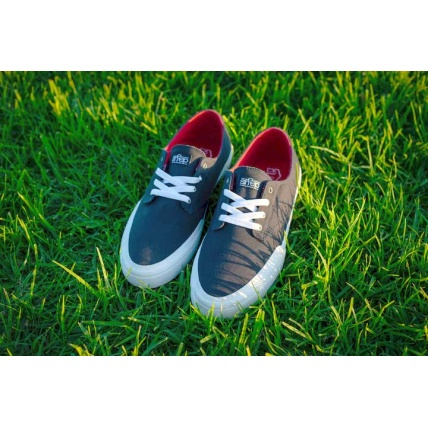 Etnies Jameson Vulc LS x Sheep Shoes Skate Trainers in Navy