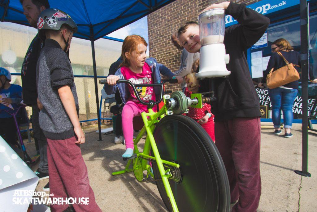 atbshop skatewarehouse swindon indoor skatepark 5th birthday party smoothie bike